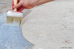 Fußboden wird gestrichen