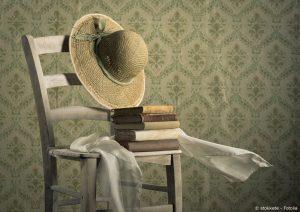 Stuhl mit Büchern shabby chic