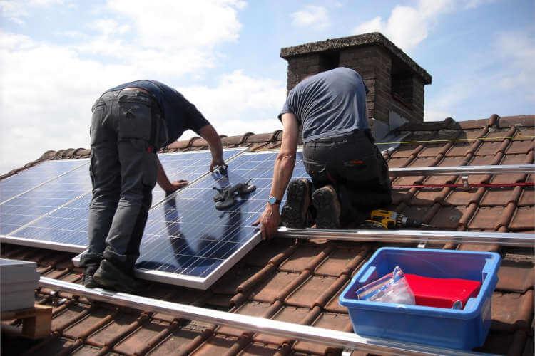 Pflege und Wartung einer Solaranlage
