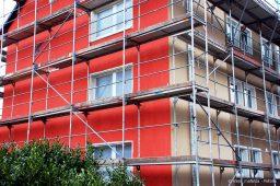 Eingerüstete Fassade