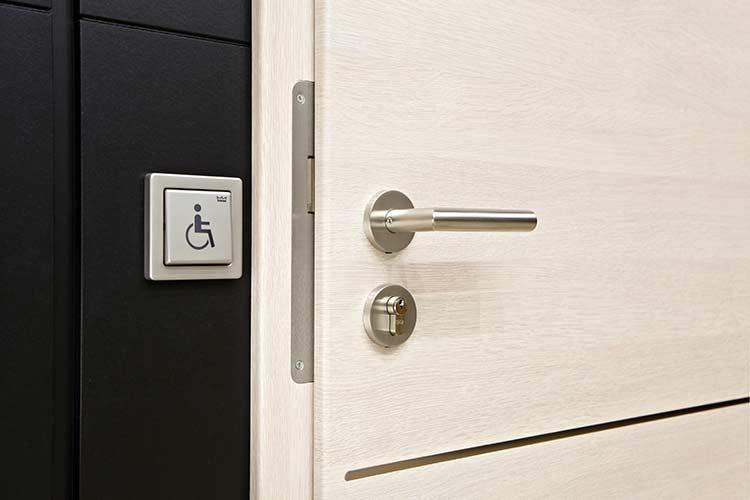 barrierefreie t ren sicherheit au en und innen. Black Bedroom Furniture Sets. Home Design Ideas