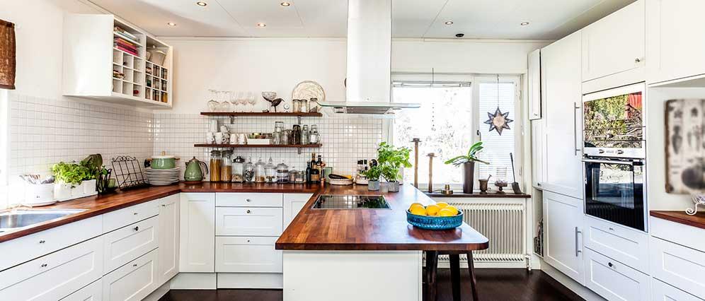 Küchenstil Landhaus mit Kassettenoptik