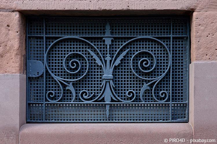 Kellerfenster können mehr, als Kellerräume zu beleuchten und vor Einbrüchen zu schützen