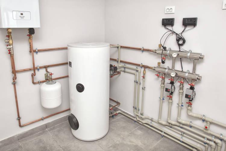 Gasheizung mit Warmwasserspeicher
